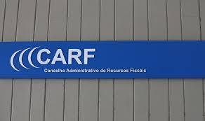 Carf mantém autuação de R$ 900 mi contra grupo de Silvio Santos