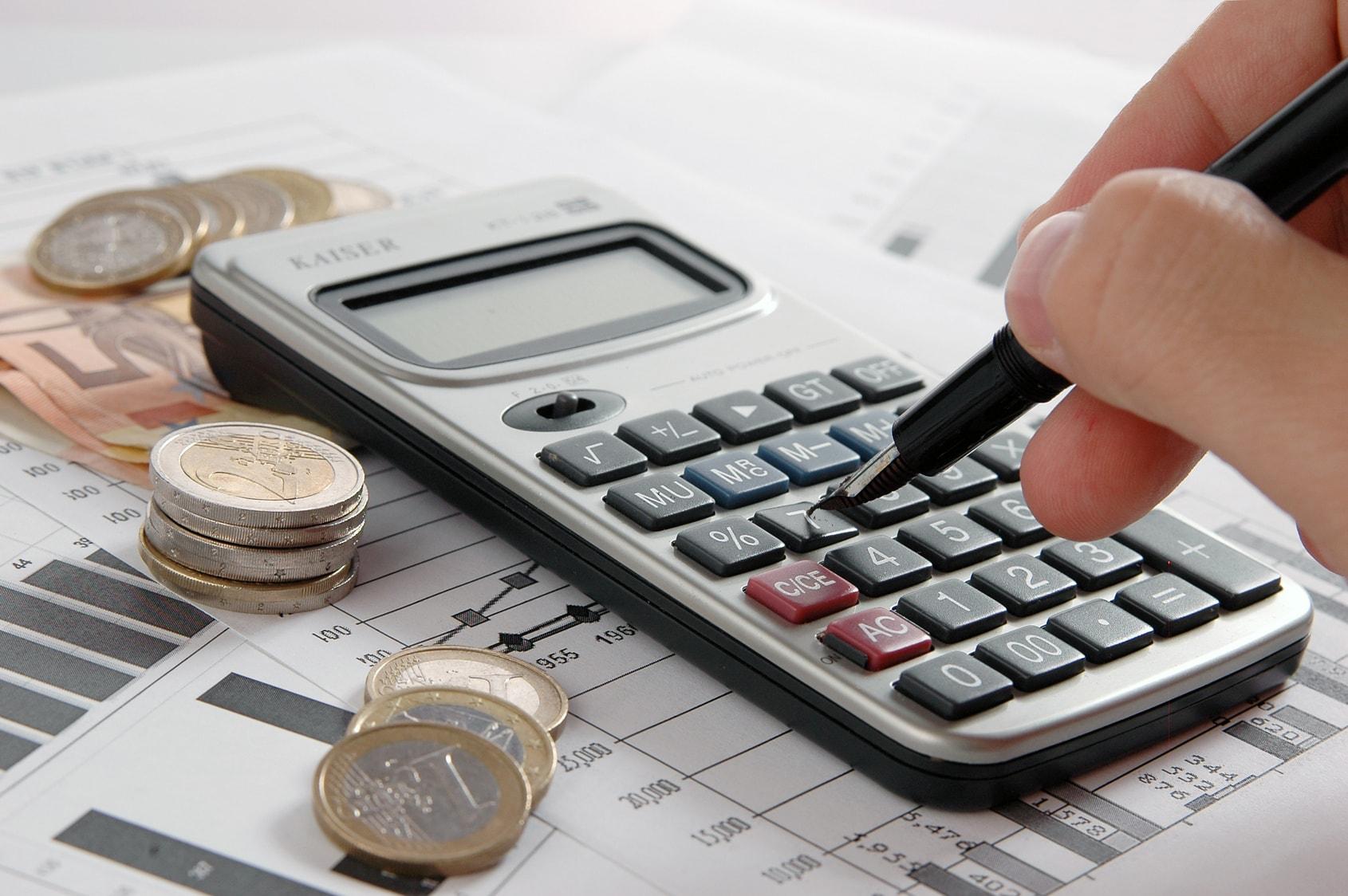 Empresa pode recolher PIS e Cofins sem as próprias contribuições na base de cálculo